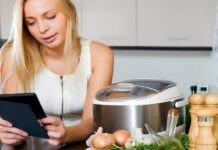 девушка кухня мультиварка